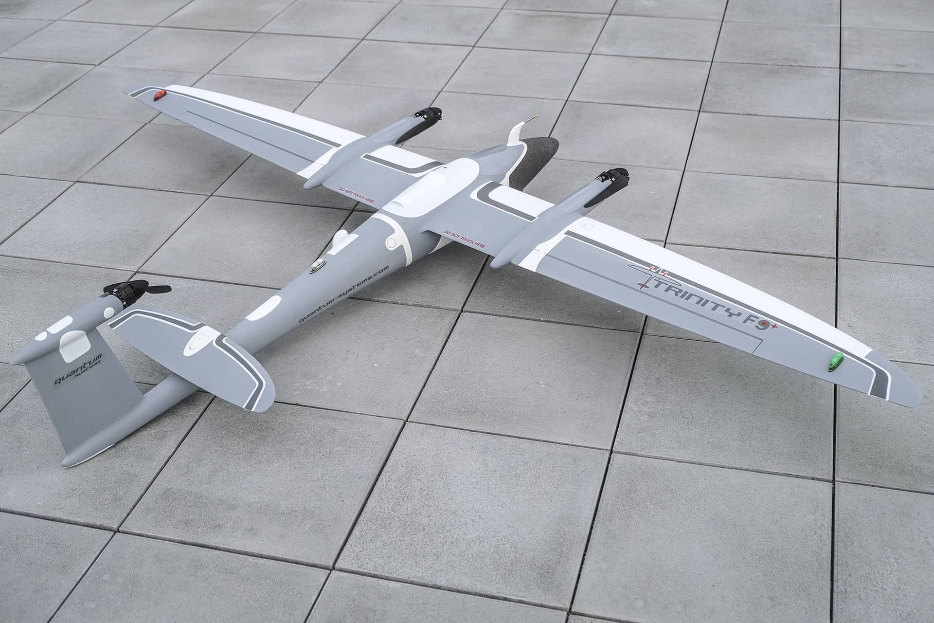 Mine survolée par drone Trinity f90+ Gris